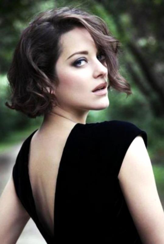 Ook met donker haar staat halflang met slag erg mooi.