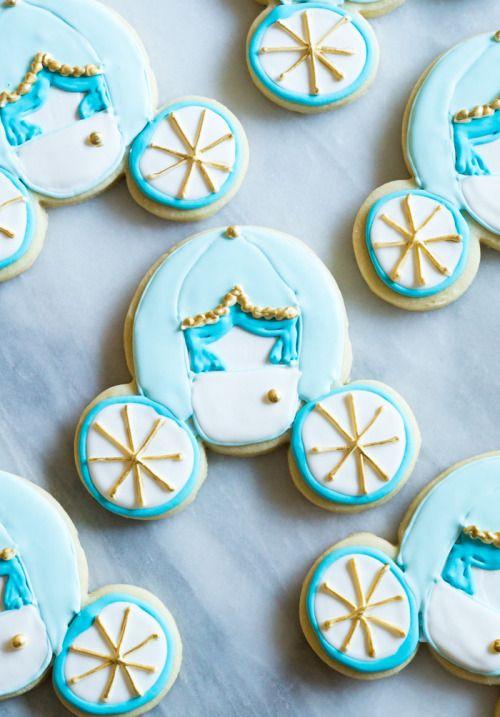 Cinderella Carriage Cookies from a Micky Mouse Cookie  Mein Blog: Alles rund um die Themen Genuss & Geschmack  Kochen Backen Braten Vorspeisen Hauptgerichte und Desserts # Hashtag