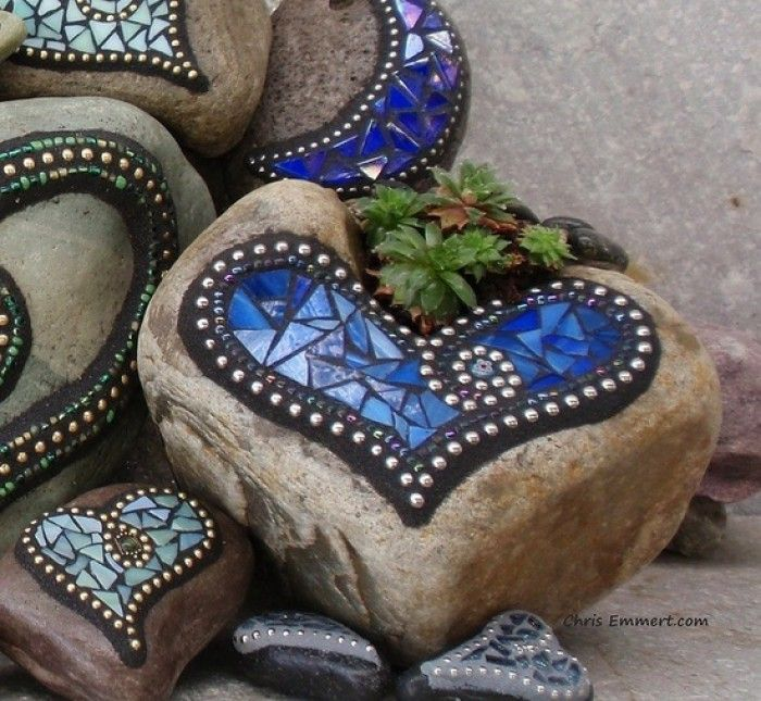 Mosiac on rocks, easy way to practice your mosaic skills and designs then use in the garden for decor. Description from pinterest.com. I searched for this on bing.com/images