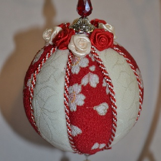 My first Kimekomi Ornament ball creation