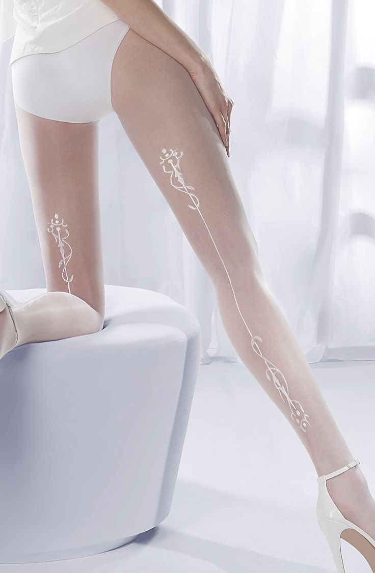 Elegant, classic tights with patterned seam running down the back of the legs. Beautiful, timeless and ideal for bridal wear.