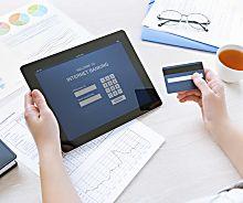 C'est Officiel: Les banques en ligne coutent moins cher!
