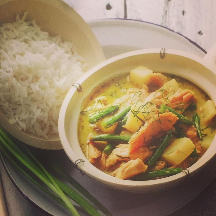 Lunch - green curry with salmon. Just needs a cold beer to top it off  #healthywealthywise #perthsmallbusiness #curry #pertheats #melbournefoodie #melbourneblogger #perthfoodblogger #perthblogger