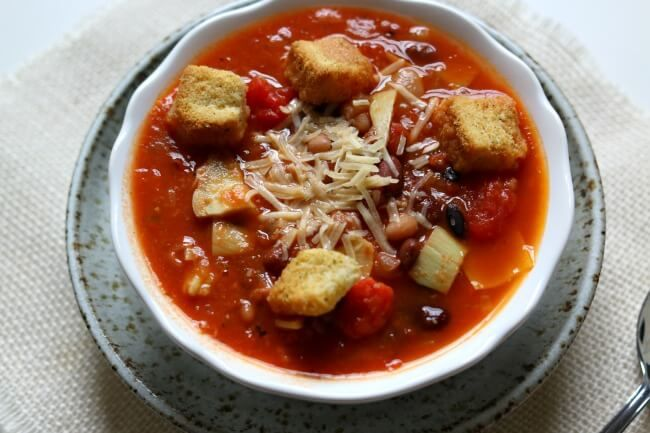 Tomato Artichoke 15-Bean Soup--a healthy soup with crushed tomatoes ...