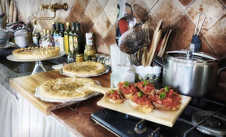 Want to learn the most famous Italian recipes? Come to my cooking school set in the charming Tuscan countryside and discover the art of fine Italian cooking!