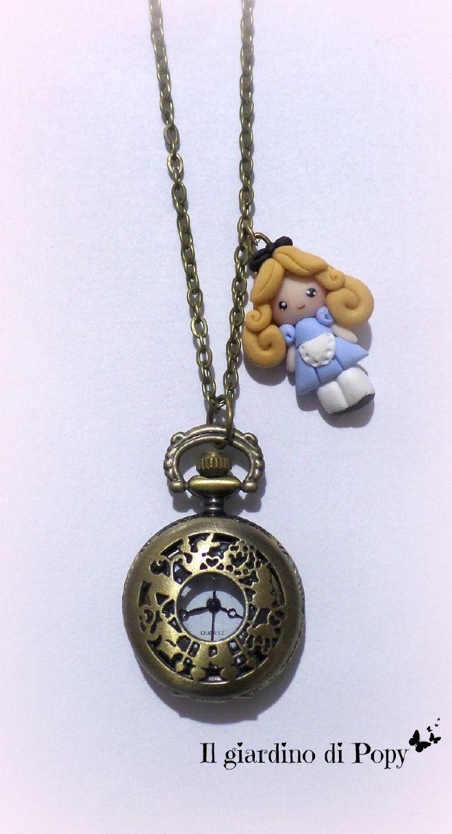 Collana orologio con Alice nel paese delle meraviglie