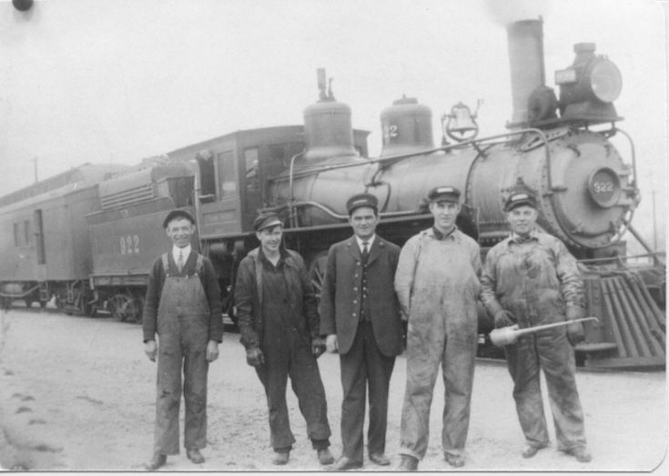 the foundation and history of the central pacific railroad in the 1800s Pacific northwest railway history below is a partial list of northwest railroads the central pacific was involved in a line north to klamath falls from california.