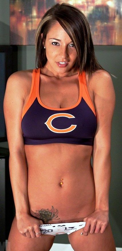 official photos 177c0 63d0a hot girl in chicago bears jersey