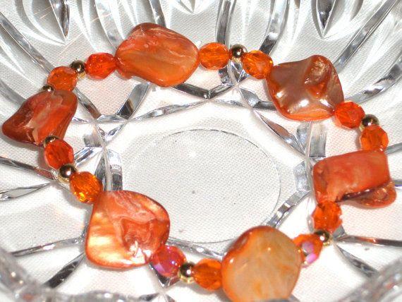 Bracciale madreperla arancione cristalli abbinati a by Momentidoro, €30.00