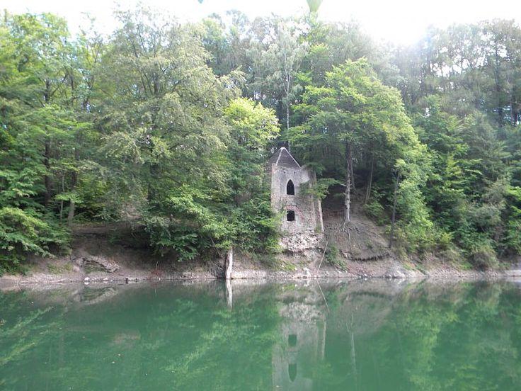 Kolorowe Jeziorka w Rudawach Janowickich , jeziorko Deisy, Poland