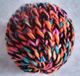 loom knit toy ball...looks perfect for the kitty cat! I'll stuff with catnip and fiberfill!