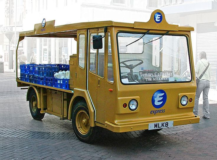 An electric milk float in Liverpool city centre, June 2005