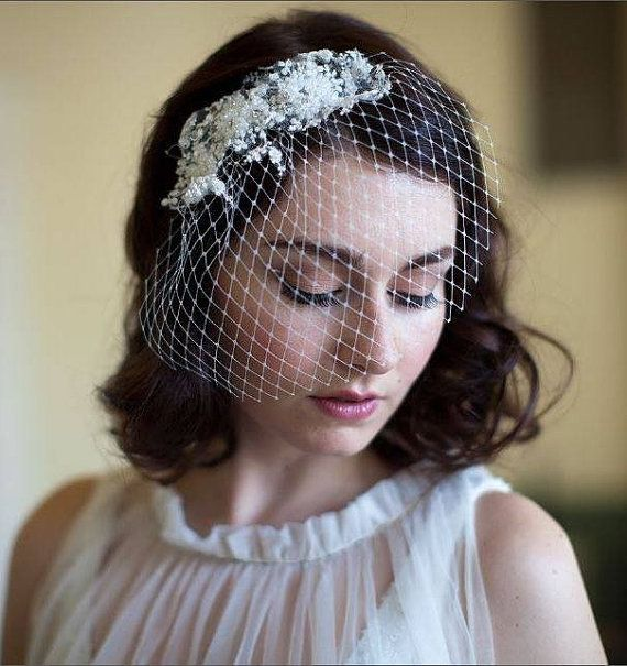 Vintage Wedding Hairstyles With Birdcage Veil: Ivory Birdcage Veil With Lace