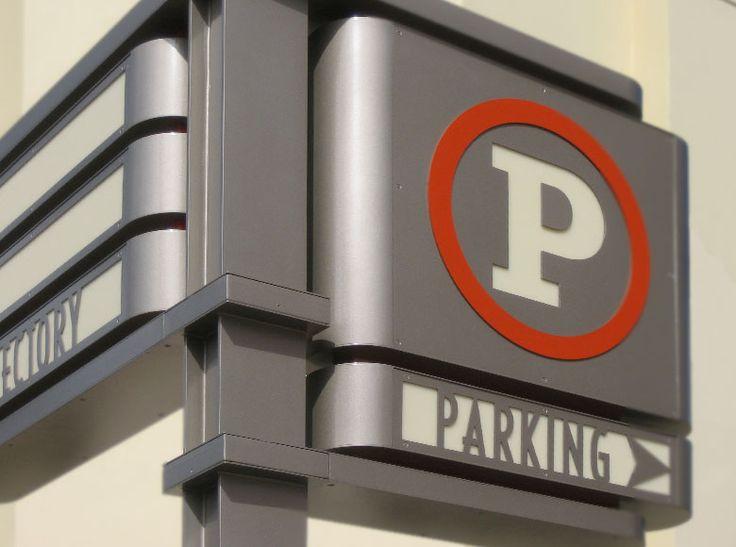 РСМ Дизайн окружающей среды на опыте Архитектурный Графический дизайн Портфолио проекта Нортфильд Стэплтон Денвер CO Розничная и развлечения концептуального видения Placemaking Wayfinding Парковка идентичности Wayfinding направленного полюс Signage