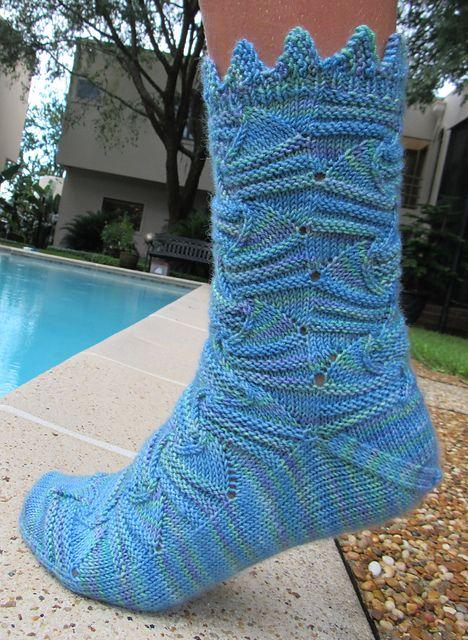 Fins socks pattern by Sarah Bordelon