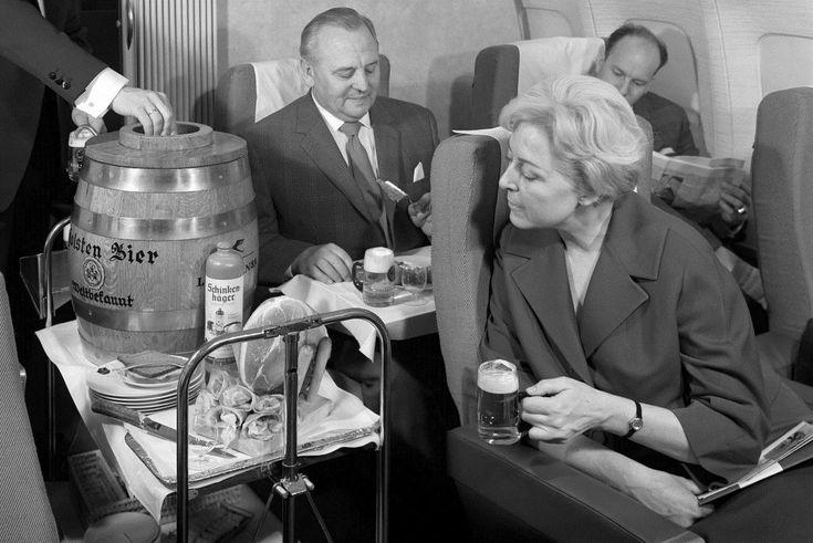 Free Beer! Lufthansa Will Tap Kegs on Flights for Oktoberfest