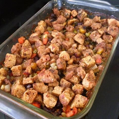 Paleo-friendly stuffing? Can it be true?! Try this life altering stuffing recipe made with Simple Mills Focaccia bread mix.