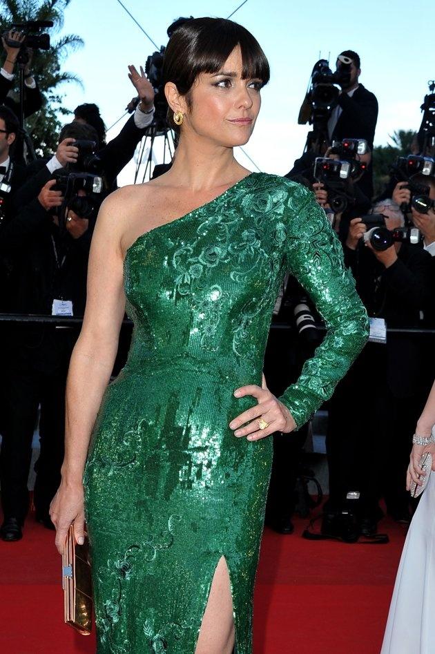 Araceli Gonzalez, actriz y modelo argentina en Cannes 2012(es muy bonita el vestido la hacia mayor, no fue una buena eleccion)