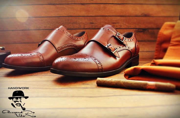 """МОНКИ """"HAZELNUT"""" (Хазлнат) изысканные и стильные #туфли добросовестно сшитые #вручную нашими мастерами из натуральной кожи, окрашенной в коричневый цвет Dark Brown ‼️ВОЗМОЖНА ДОСТАВКА С ПРИМЕРКОЙ, ОПЛАТА ПРИ ПОЛУЧЕНИИ.  Доступные размеры: 40 - 43. ▫️▪️▫️▪️▫️▪️▫️▪️▫️▪️▫️ ✔️Статусная #обувь и #сумки ручной работы! ✅Модель доступна для заказа.  Дополнительная информация: Whats App 8(999)134-96-08 или на сайте WWW.ALESVITO.RU."""