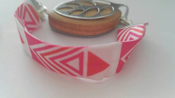 Elastic strap bracelet in my Etsy shop https://www.etsy.com/uk/listing/523877556/bellabeat-bracelet-elastic-strap