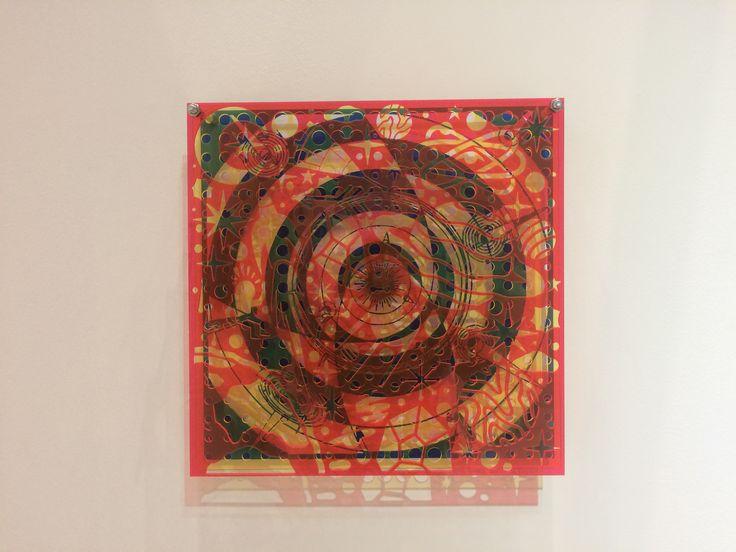 АкаКарлеоне. Под/над достигающим успеха. цветные акриловые листы. Биеннале уличного искусства, 2016, Манеж.