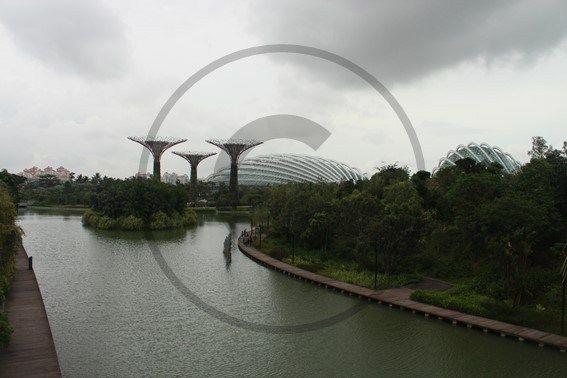 Gardens by the Bay – Singapour   Christie Cartes $2 - Photo de Thibaud Laroche - christiecartes.com