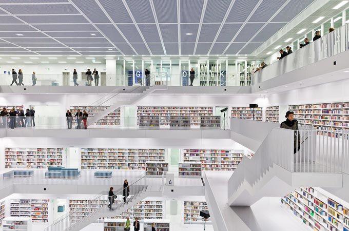 Buenos días!!El día de hoy lo dedicaremos a ver un poquito de arquitectura! En este caso, La Nueva Biblioteca de la Ciudad de Stuttgart, Alemania. Dis