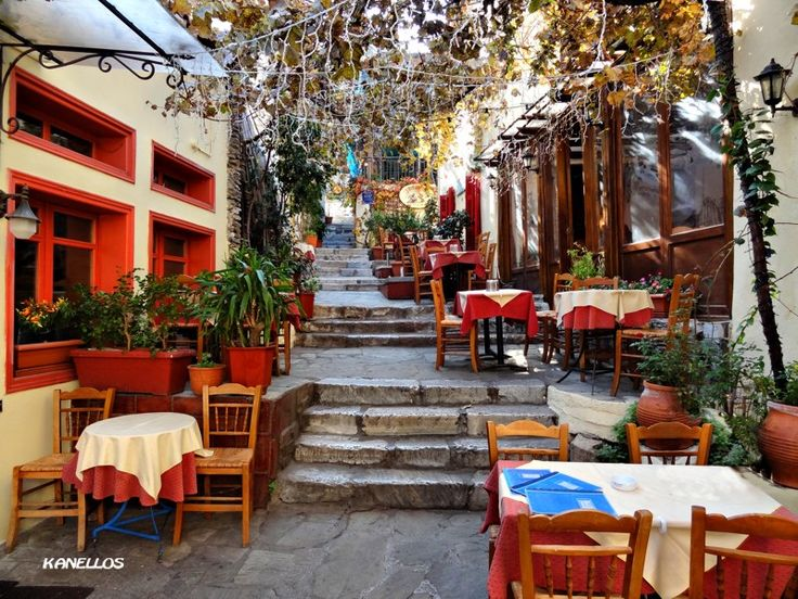 PLAKA - Athens, Attiki ate here with Dad and Uncle Nearhos and company. last trip, in 2005