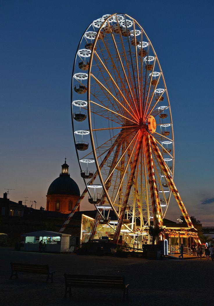 port viguerie et sa grande roue l'été