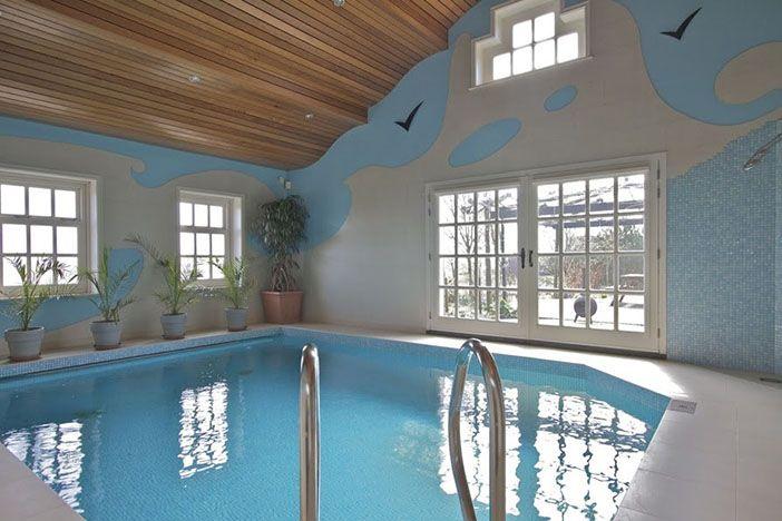5x Wonen als geen ander [funda] Anna Paulowna: deze woonmolen heeft een jeu-de-boulesbaan, zwembad, sauna, tuinhuis en kippenhok.