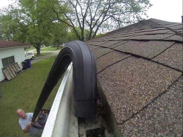 How To Safely Clean Gutters Without A Ladder   Improvised Way | Brr |  Pinterest