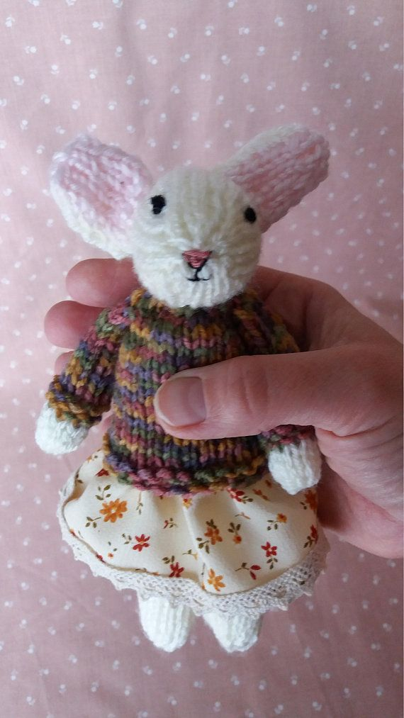 Small Knitted Mouse Decoration OOAK Decoration, OOAK Mouse, Nostalgic Gift, Unique gift, Nursery Decor, Kids' Decor