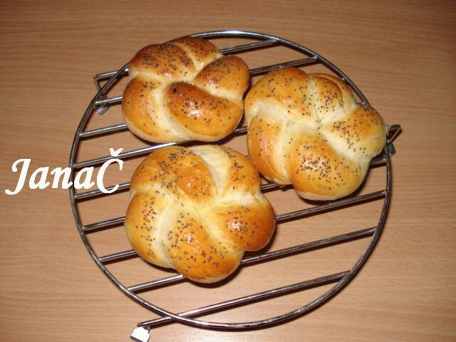 0031. housky nebo rohlíky od monikahor - recept pro domácí pekárnu