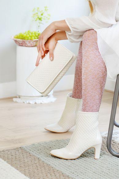 Leuke enkel laarsjes van Elsa Coloured shoes. De perfecte schoen voor wat kouder weer!
