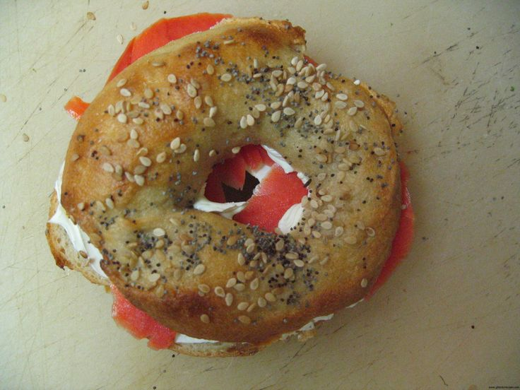 These look divine! Gluten-Free Sourdough Bagels from @GFDoctor for #GFRatioRally