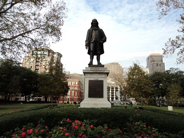 Why does New Orleans have a statue of Benjamin Franklin?  Blake Pontchartrain on the Franklin statue in Lafayette Square.