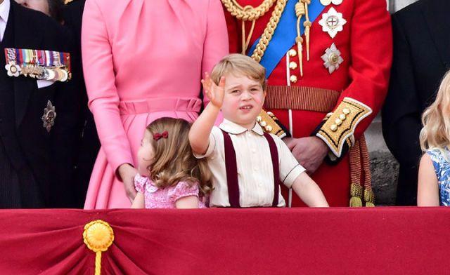 Principe George: «Mamma, quanto è noiosa la vita di corte!»