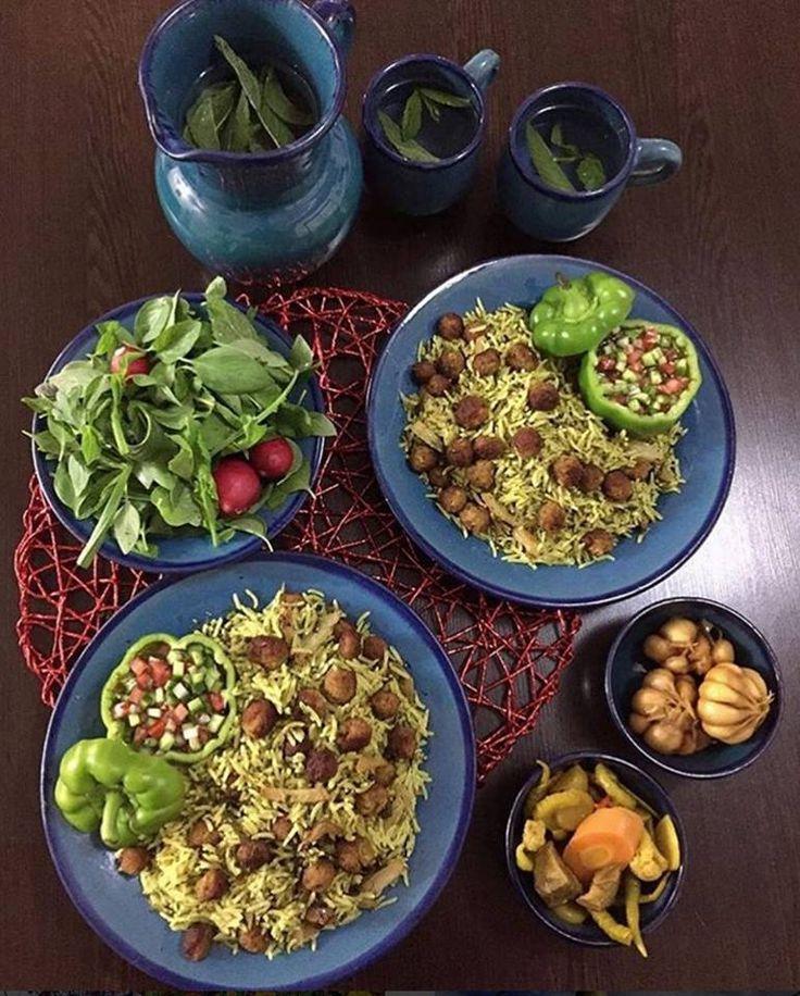 Kalam Polo Shirazi (Cabbage Rice From Shiraz Iran) [x-post /r/iran]