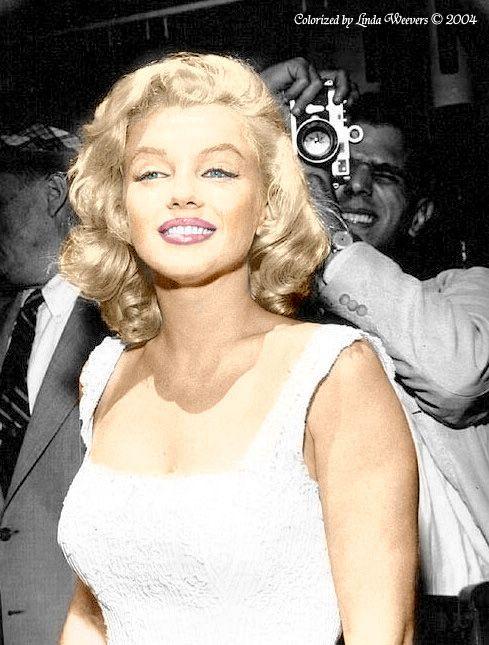 Marilyn Monroe J'adoore sa coupe sur cette photo Une chevelure de rêve, blonde…