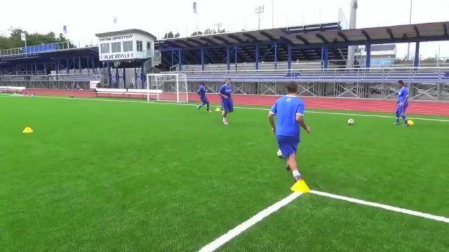 Football Coaching On Instagram Simple Passing Drill The Footballcoaching Hub Soccer Footba Soccer Training Soccer Training Drills Soccer Drills