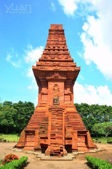 Bajangratu Temple, East Java