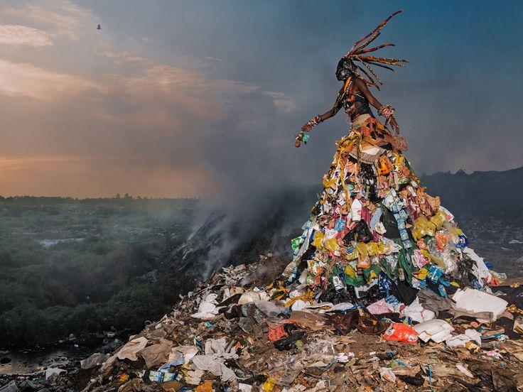 "c1ea6c0fa0b3290a34cbcf45c7e76e17 african art africans - Haunting ""Trashion"" Gowns Illustrate Senegal's Pollution Problem"