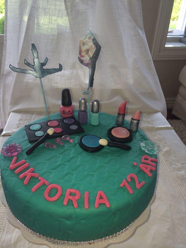 Dance & makeup cake