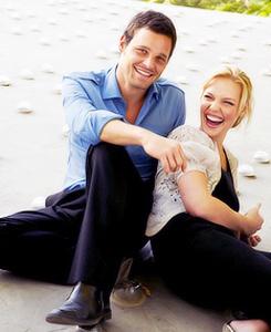 Justin Chambers (Alex Karev) & Katherine Heigl (Izzie Stevens). Grey's Anatomy.