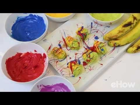 Turn snacking into a masterpiece with these pop art treats! Using bananas and colorful candy melts, you can turn boring bananas into fun little works of art.