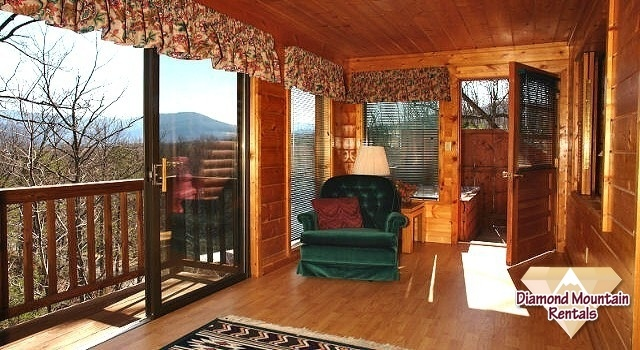 Very #Private and spacious 1 bedroom suite with all the amenities. Regulation #PoolTable plus a large bonus sun room. #HotTub is very #Secluded with outstanding views. #Fun #Family #SmokyMountains #Vacation