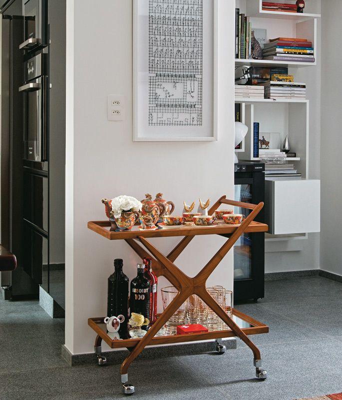 Antonio Ferreira Jr: brinde às cores neste apartamento - Casa