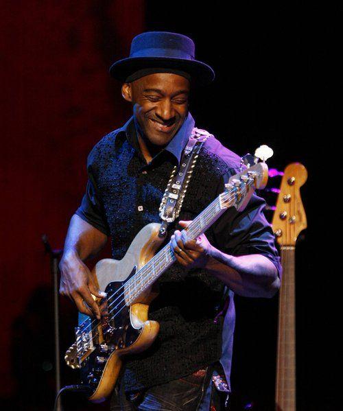 Apprenez à jouer de la #guitare basse comme Marcus Miller sur www.MyMusicTeacher.fr !