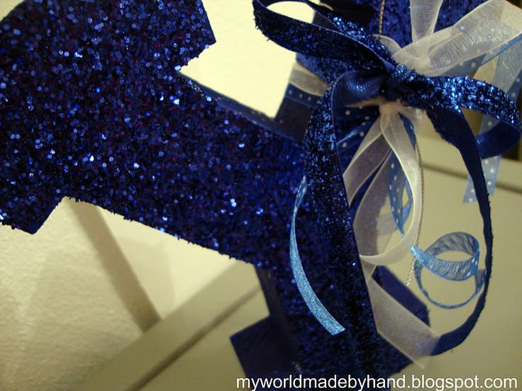 My World - Made By Hand: Mod Podging Glitter: Modg Podge, Crafts Ideas, Diy Crafts, Mod Podge, Podge Glitter, Christmas Decor, Wooden Letters, Glitter Letters, Glitter Things