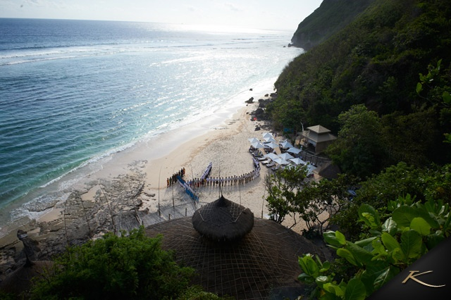 http://www.karmaresorts.com/the-where/bali/karma-kandara/the-beach-club/